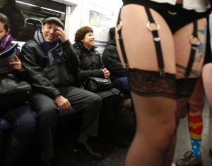 pants-subway-ride-new-york-city3
