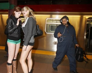 pants-subway-ride-new-york-city4